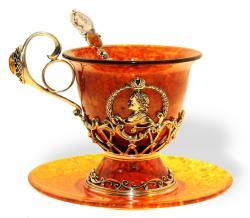 Чашка чайная Петр I из янтаря