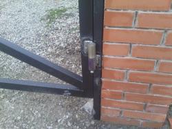 установка и ремонт металлических ворот и дверей