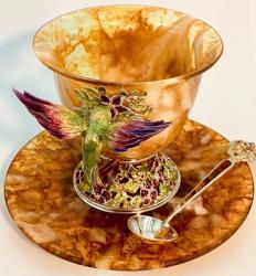 Чашка из янтаря Колибри с эмалью