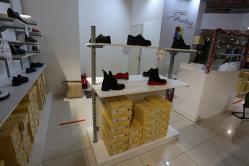 Торгоборудование для магазина обуви