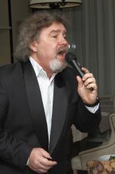 Ведущий, певец, ди-джей на праздник, тамада мск