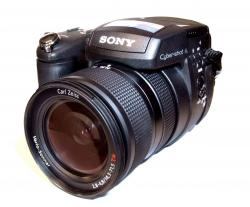 Цифровой фотоаппарат SONY Cyber-Shot DSC-R1