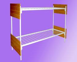 Металлические кровати со спинками из ДСП и ламелями