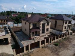 Продам дом 198 м², на участке 6 сот.